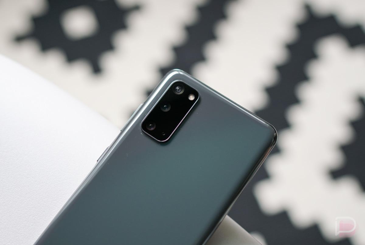 Samsung Galaxy S20 - худший фото флагман 2020 года