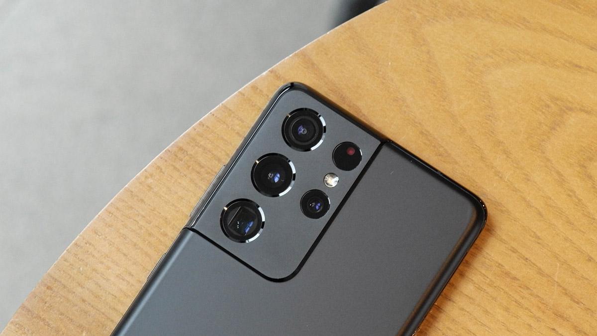 Samsung Galaxy S21 Ultra. Подойдет большинству мобильных фотографов