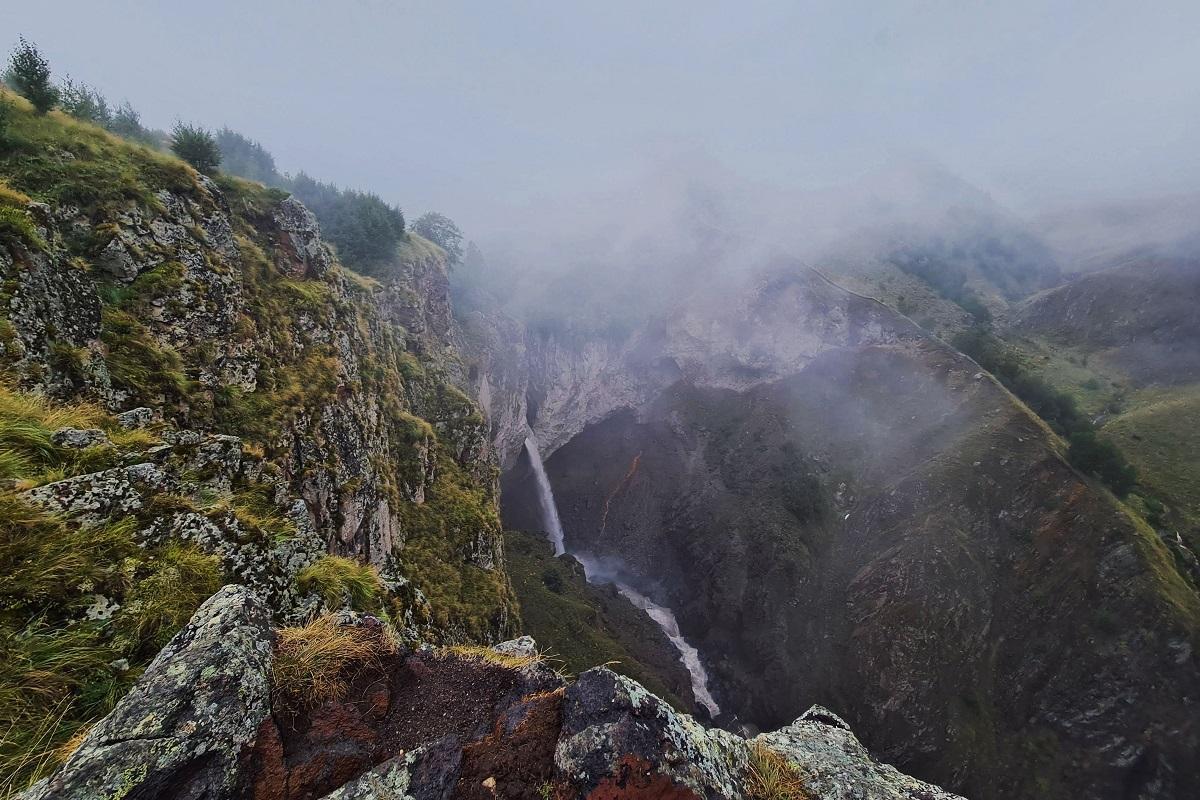 Джылы-Су. Водопад Каракая-Су